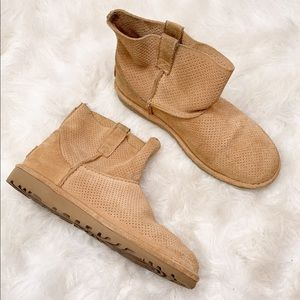 UGG Classic Mini Perforated Boots US 8